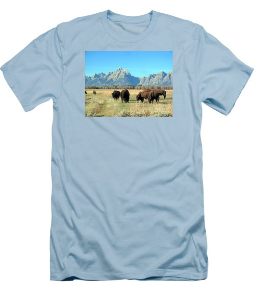 Buffallo  Men's T-Shirt (Athletic Fit)