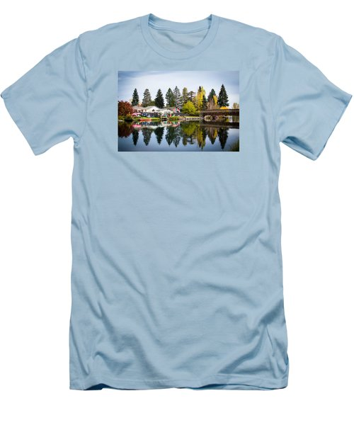 bungalows on the Deschutes Men's T-Shirt (Athletic Fit)