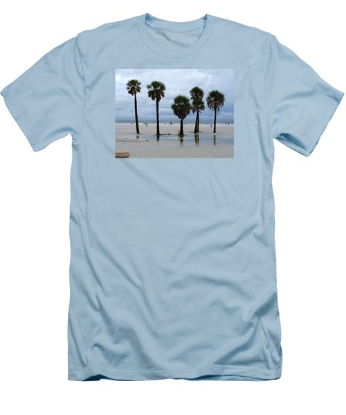 Clearwater Beach Men's T-Shirt (Athletic Fit)