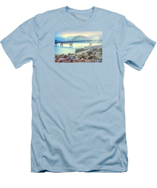 Columbia River Vantage Bridge Men's T-Shirt (Athletic Fit)
