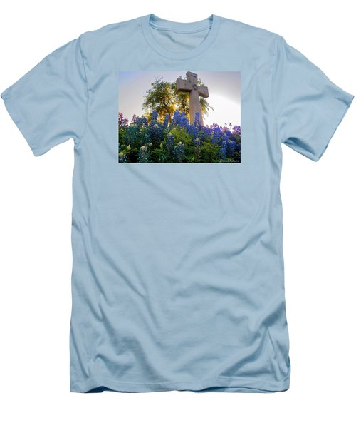 Da225 Cross And Texas Bluebonnets Daniel Adams Men's T-Shirt (Athletic Fit)