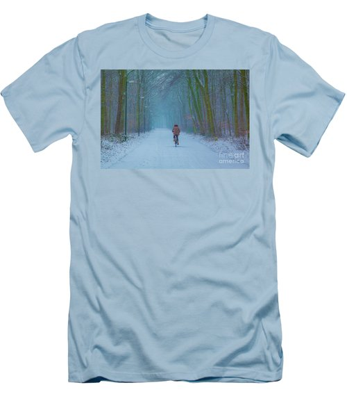 Cycling In The Snow Men's T-Shirt (Slim Fit)