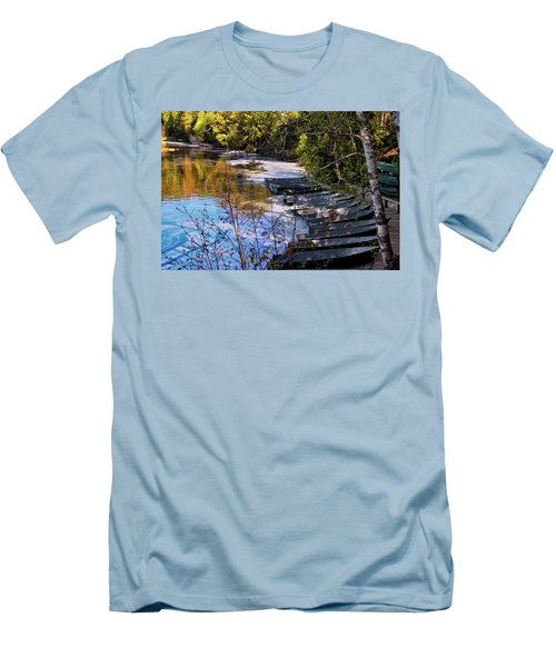 Docked Row Boats Men's T-Shirt (Athletic Fit)