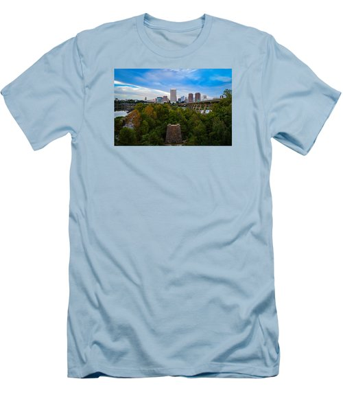 Fall Approaching In Richmond Men's T-Shirt (Athletic Fit)