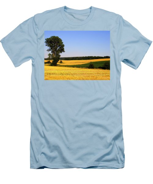 Field Flow Men's T-Shirt (Athletic Fit)