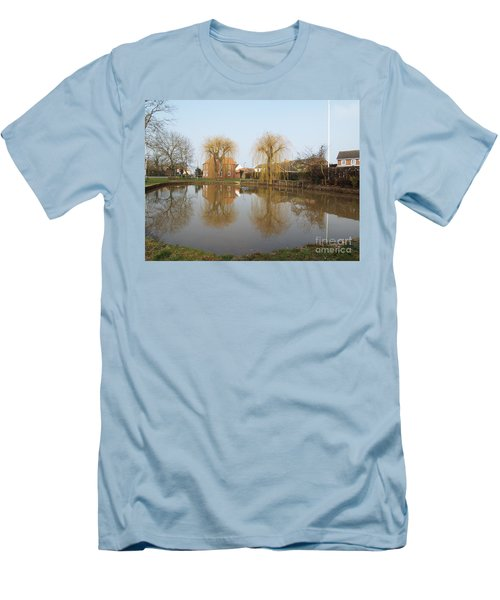 Finningley Pond Men's T-Shirt (Athletic Fit)