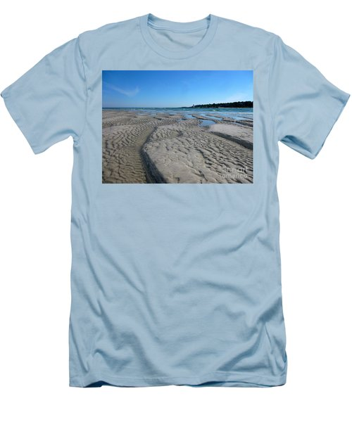 Gloucester Lighthouse Men's T-Shirt (Slim Fit) by Barbara Bardzik