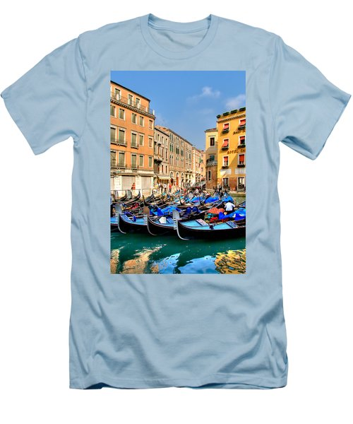 Gondolas In The Square Men's T-Shirt (Athletic Fit)