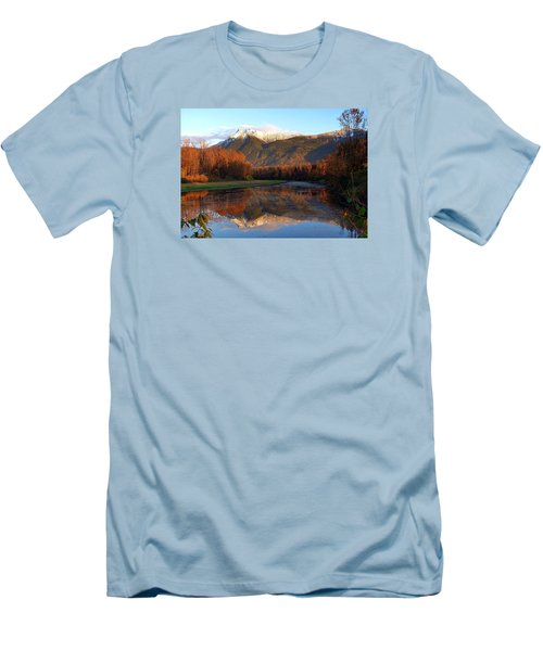 Mount Cheam, British Columbia Men's T-Shirt (Athletic Fit)