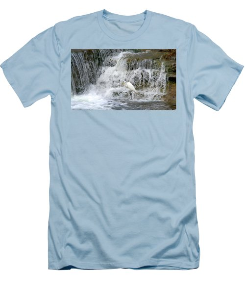 Great Egret Hunting At Waterfall - Digitalart Painting 4 Men's T-Shirt (Athletic Fit)