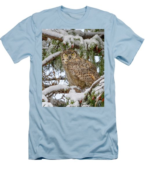 Great Horned Owl In Snow Men's T-Shirt (Slim Fit) by Jack Bell