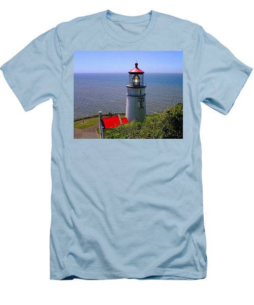 Men's T-Shirt (Slim Fit) featuring the photograph Heceta Head Lighthouse by Wendy McKennon