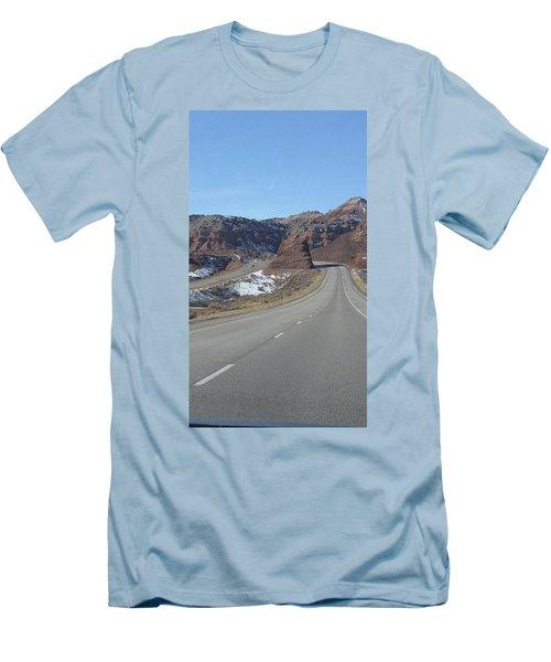 Hello Utah Men's T-Shirt (Athletic Fit)