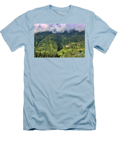 Hilltop Sapa Men's T-Shirt (Athletic Fit)