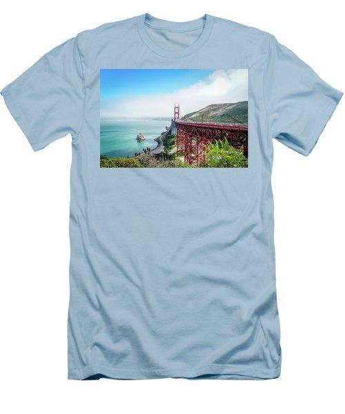 Iconic Bridge Men's T-Shirt (Athletic Fit)