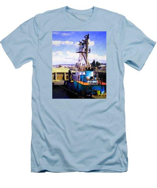 Island Chief In The Ballard Locks Men's T-Shirt (Athletic Fit)