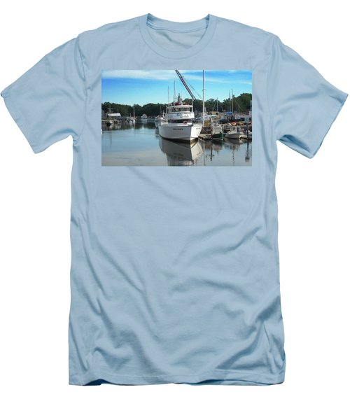 Men's T-Shirt (Slim Fit) featuring the photograph Kennubunk, Maine -1 by Jerry Battle
