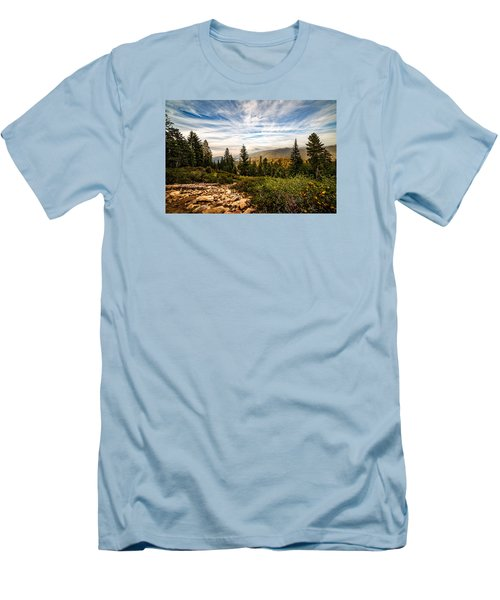King's Canyon Crown Men's T-Shirt (Athletic Fit)