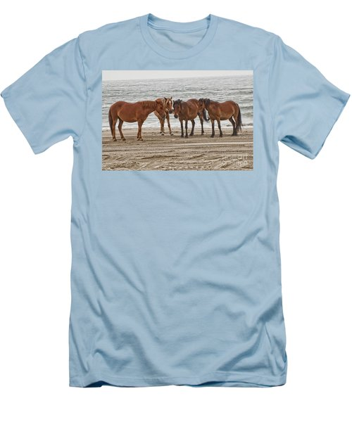 Ladies On The Beach Men's T-Shirt (Athletic Fit)