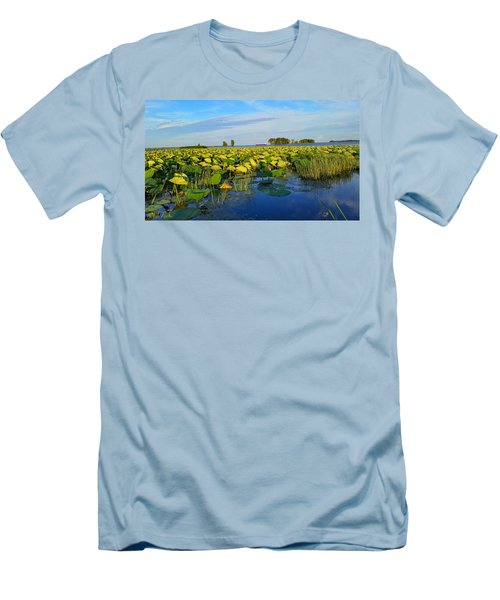 Pointe Mouilee Lake Erie Men's T-Shirt (Athletic Fit)