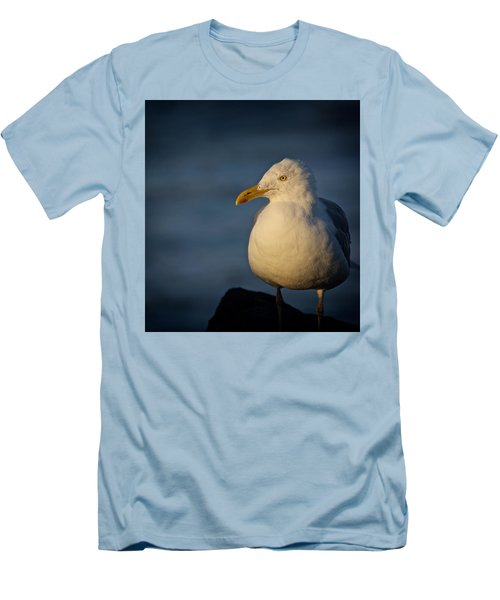 Lonely Gull Men's T-Shirt (Athletic Fit)