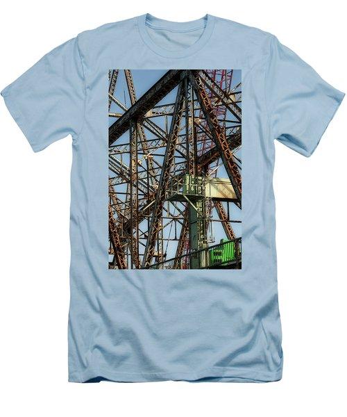 Memorial Bridge Men's T-Shirt (Athletic Fit)