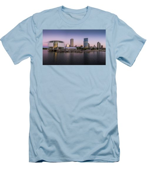 Milwaukee Sky Men's T-Shirt (Athletic Fit)