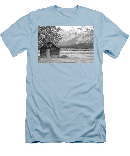 Men's T-Shirt (Athletic Fit) featuring the photograph Moulton Homestead - Granary by Colleen Coccia