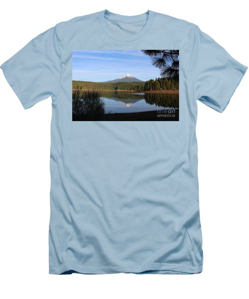 Mt Mclaughlin Or Pitt Men's T-Shirt (Athletic Fit)