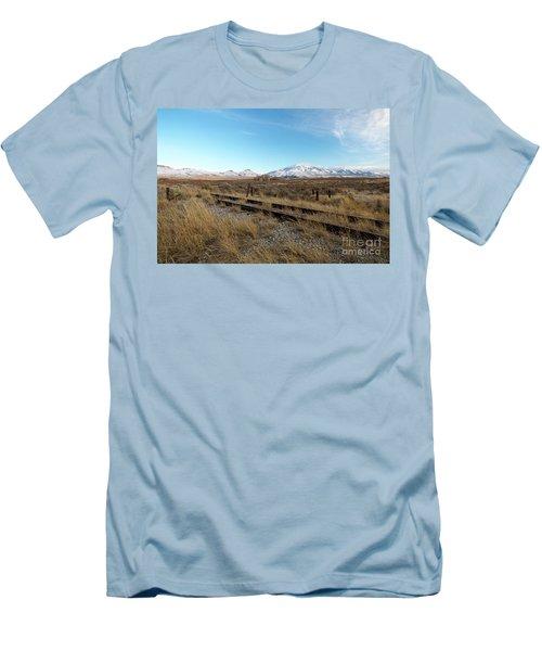 Mt Putnam Men's T-Shirt (Athletic Fit)