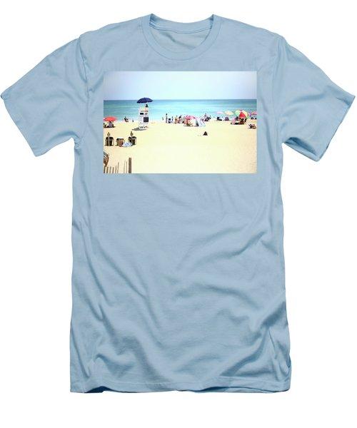 Nags Head Men's T-Shirt (Athletic Fit)