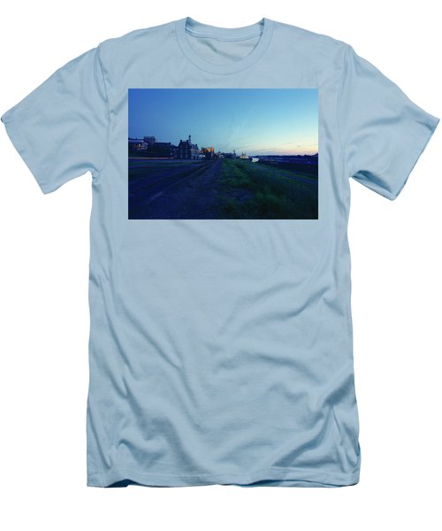 Night Moves On The Mississippi Men's T-Shirt (Slim Fit) by Jan W Faul