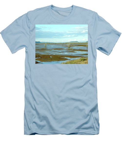 Nisqually Looking North Men's T-Shirt (Athletic Fit)