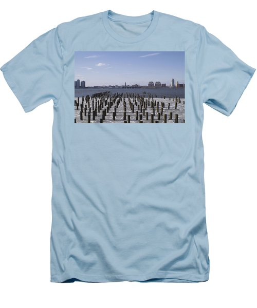New York City Piers  Men's T-Shirt (Athletic Fit)