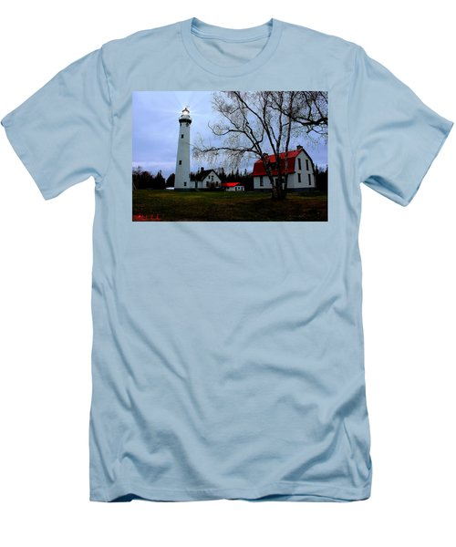 Old Presque Isle Lighthouse Men's T-Shirt (Athletic Fit)