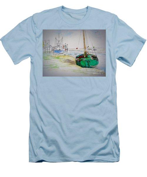 Old River Thames Fishing Boat Men's T-Shirt (Athletic Fit)
