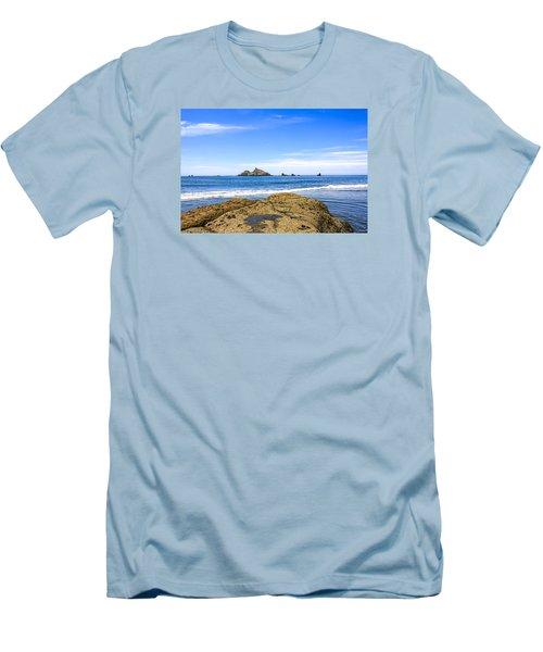 Pacific North West Coast Men's T-Shirt (Athletic Fit)