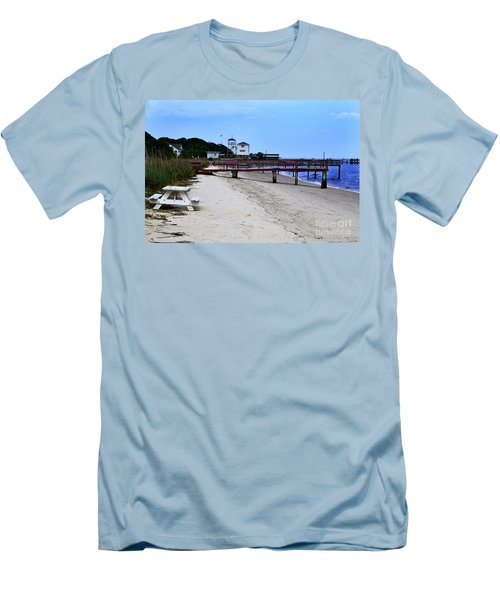 Pink Pier Southport, North Carolina Men's T-Shirt (Athletic Fit)