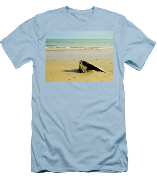 Pointed Rock At Squibby Men's T-Shirt (Athletic Fit)