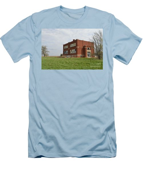 Primrose Nebraska School Men's T-Shirt (Athletic Fit)