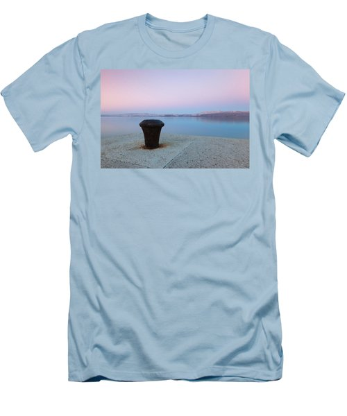 Quay In Dawn Men's T-Shirt (Athletic Fit)