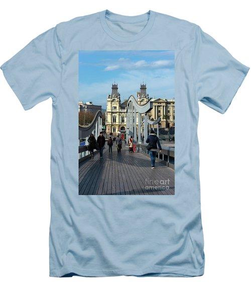 Rambla Del Mar Footbridge Men's T-Shirt (Athletic Fit)