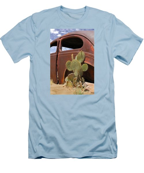 Route 66 Cactus Men's T-Shirt (Athletic Fit)
