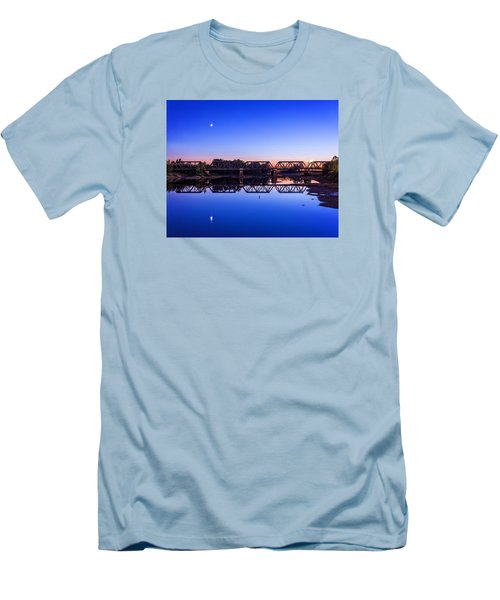 Men's T-Shirt (Slim Fit) featuring the photograph Scioto Sunset Crossing by Alan Raasch
