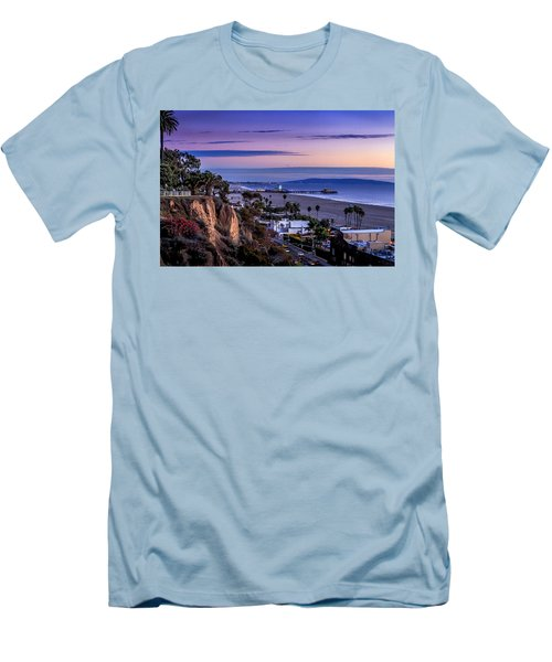 Sitting On The Fence - Santa Monica Pier Men's T-Shirt (Athletic Fit)