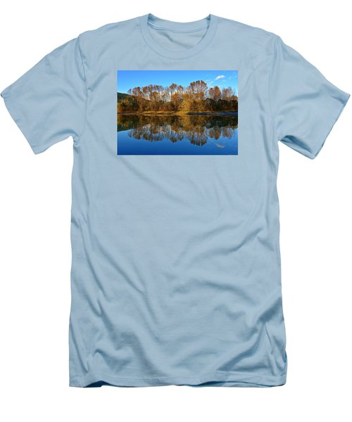 Fraser River Arm  Men's T-Shirt (Athletic Fit)