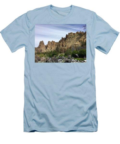 Smith Rocks Men's T-Shirt (Athletic Fit)