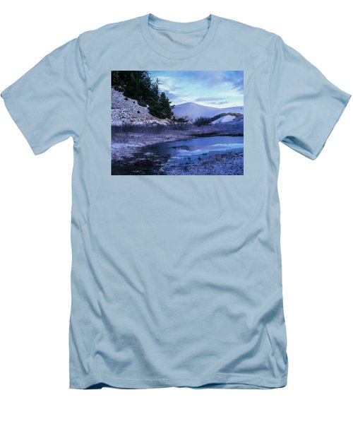 Snow On The Sand Men's T-Shirt (Athletic Fit)