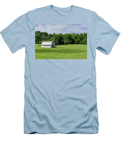 Barn In Green Pasture Men's T-Shirt (Athletic Fit)