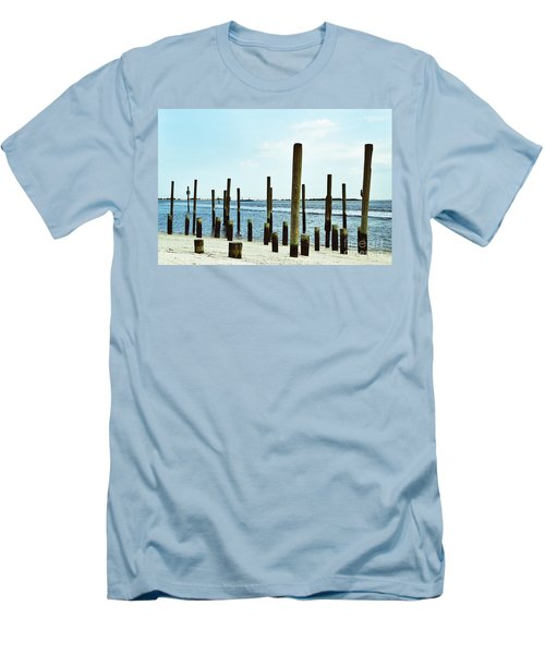 Southport Beach Weathered Wood Men's T-Shirt (Athletic Fit)